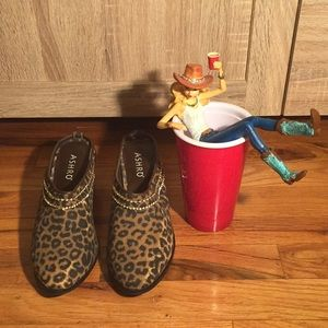 ASHRO denim leopard print mules 💕👡💕
